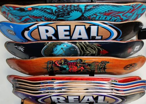 real-skateboard-anti-hero-powell