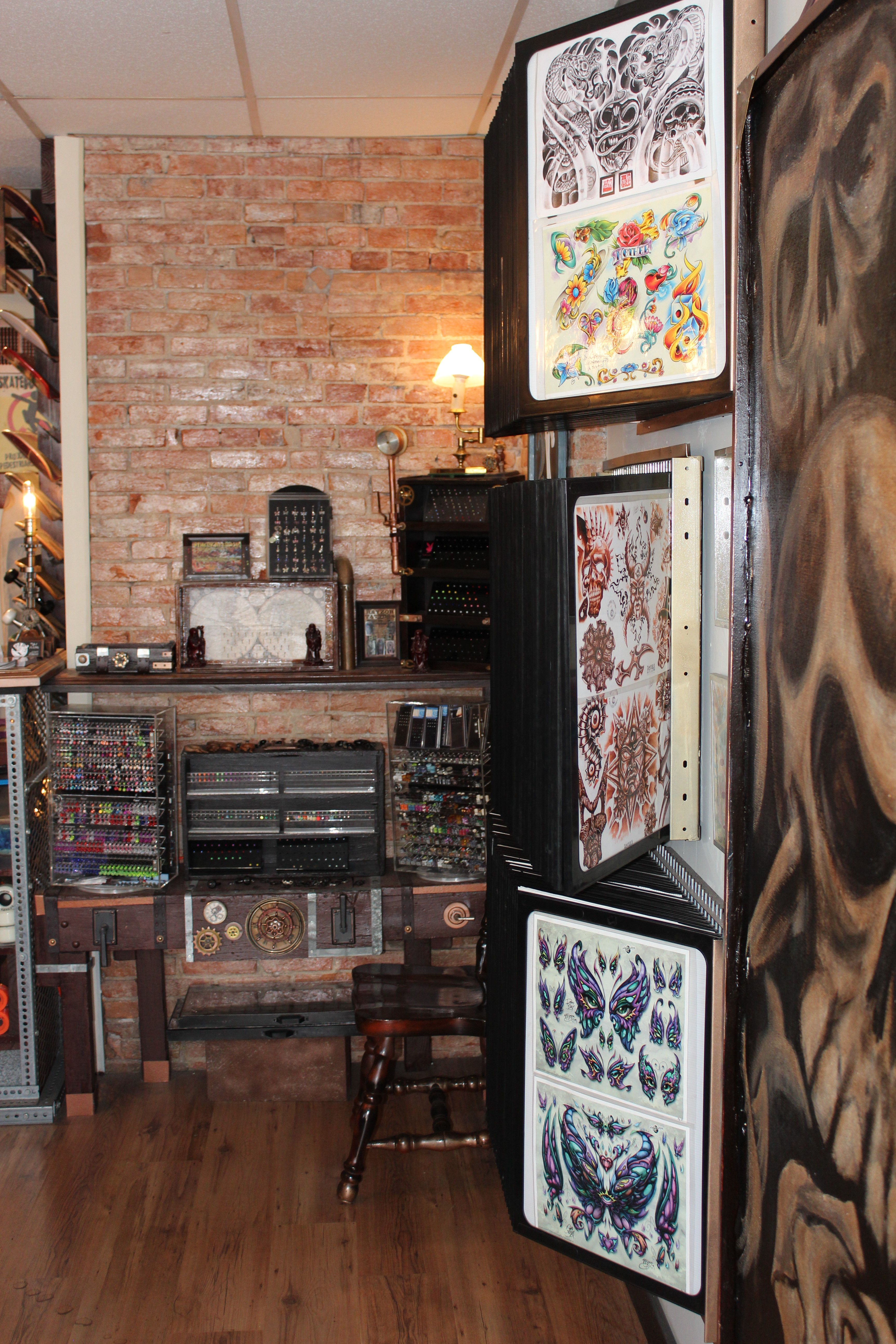Tattoos piercings rayzor tattoos harrisburg central for Best tattoo shops in ohio