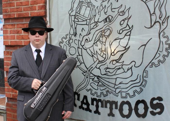 rayzor-tattoo-harrisburg-outdoor-sign