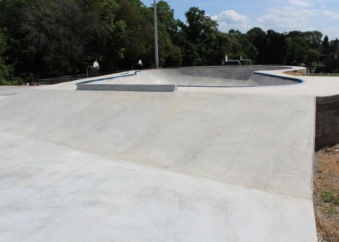 harrisburg-skatepark-bank-bowl-concrete