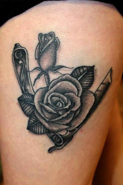 Body piercer portrait tattoo artist aj weaver rayzor for Cut throat tattoo